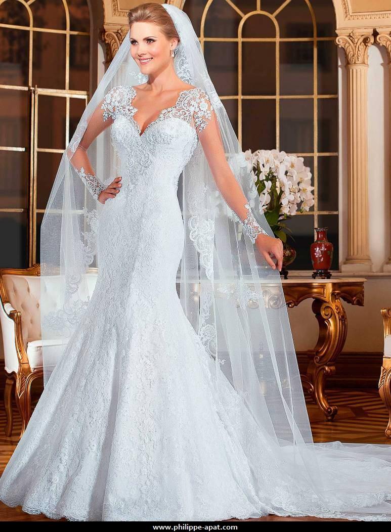 Robe de mariée bustier 2016 blanche robe fourreau à manches en dentelle brésilienne romantique transparence des manches et du dos, décolleté en coeur,