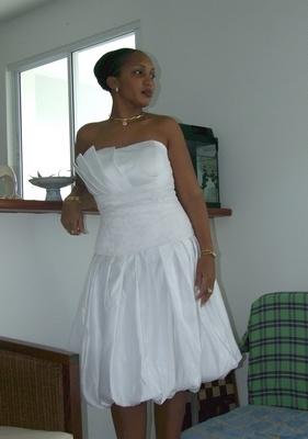 Modele robe blanche courte